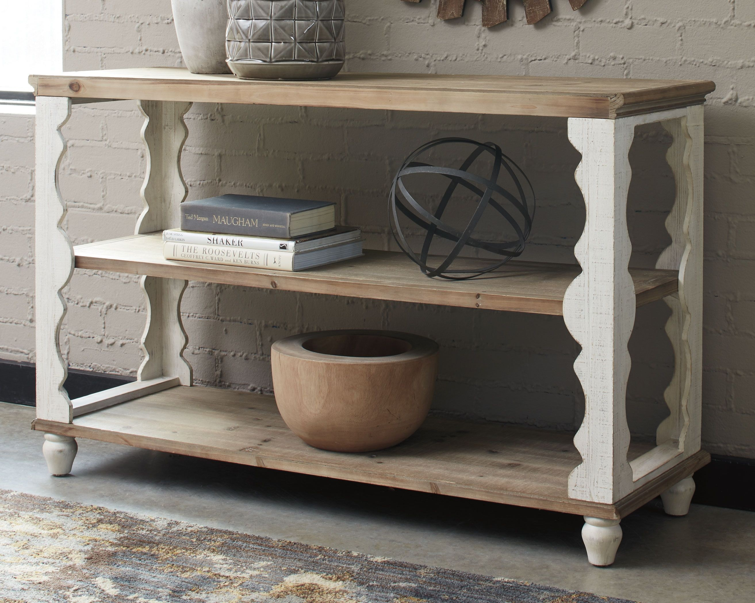 Delicieux Alwyndale Antique White Brown Console Sofa Table